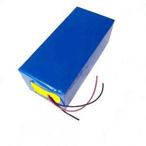 Батерија за полнење на батеријата LiFePO4 10Ah 12V литиум железо фосфат батерија за лесна / UPS / електрична алатка / едриличар / риболов со мраз